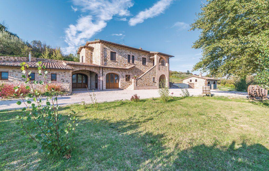 Agriturismo Perugia. Casale Villa Chiara, esterni